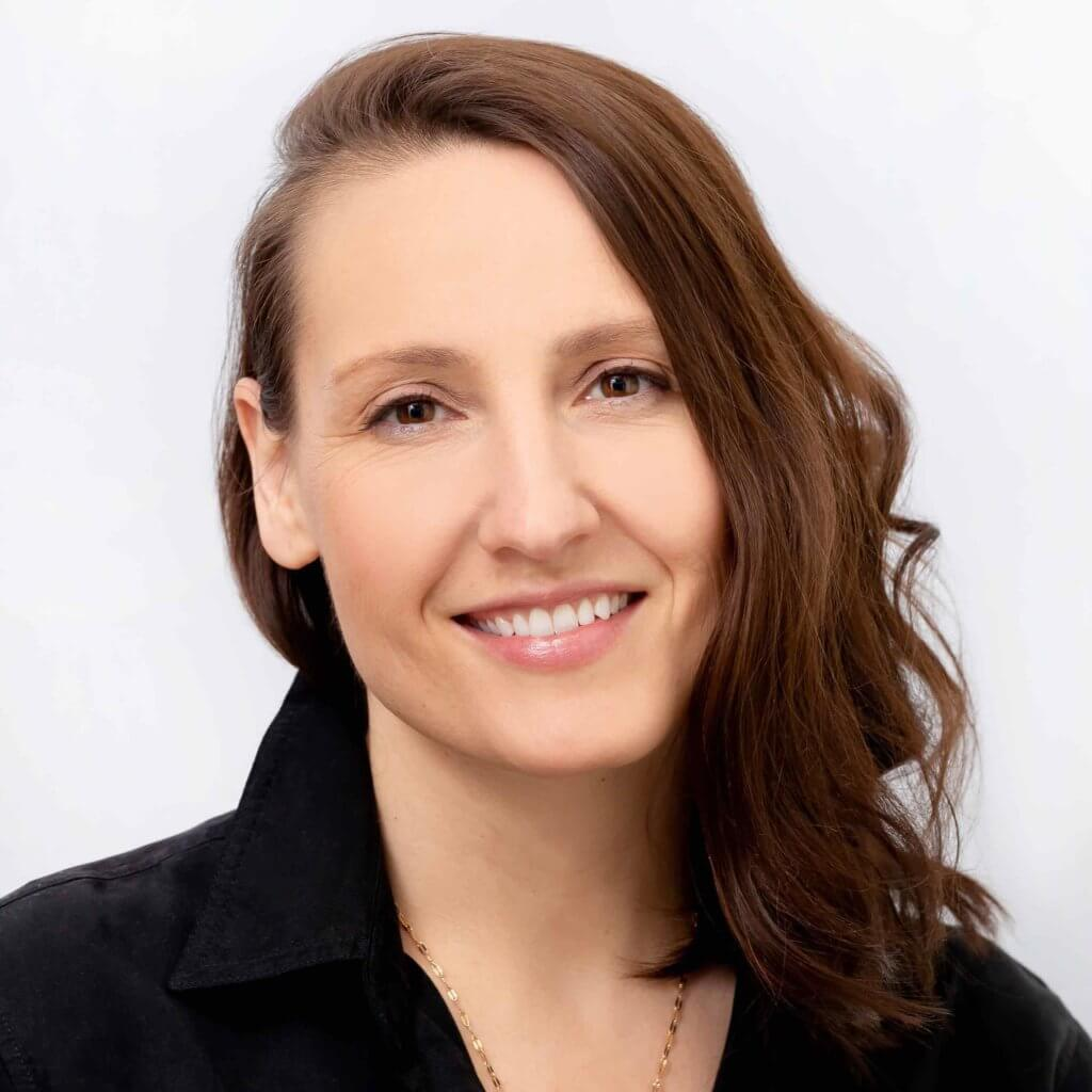 Kim Fraser provides physiotherapy and pelvic floor physiotherapy at Craven SPORT services in Saskatoon, SK.